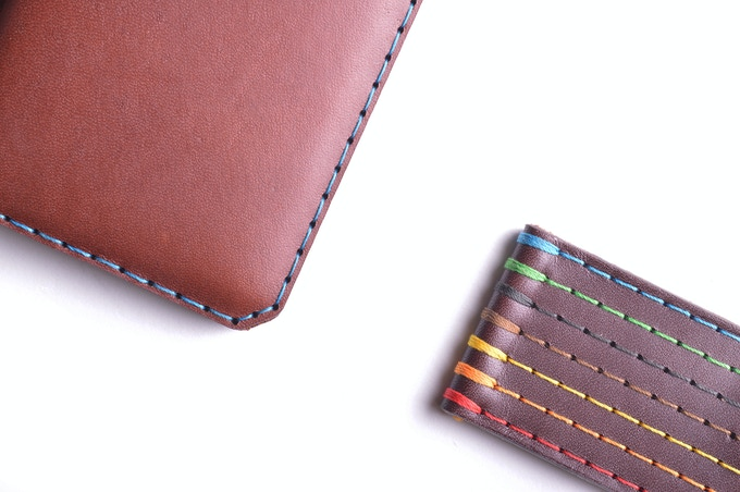 Vegetable tanned Chestnut leather, available stitched in 7 different threads