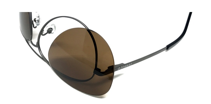 We provide an easy and safe way to change your lenses.