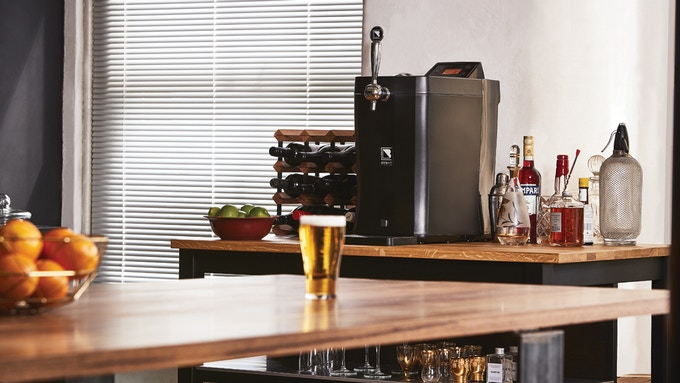 BrewFlo - Dispenses BrewArt 5 liter (1.3 gallon) kegs without the need for CO2.