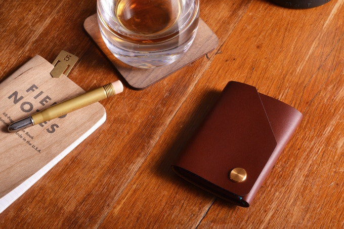 wingback the cash wallet by alasdair maclaine kickstarter. Black Bedroom Furniture Sets. Home Design Ideas