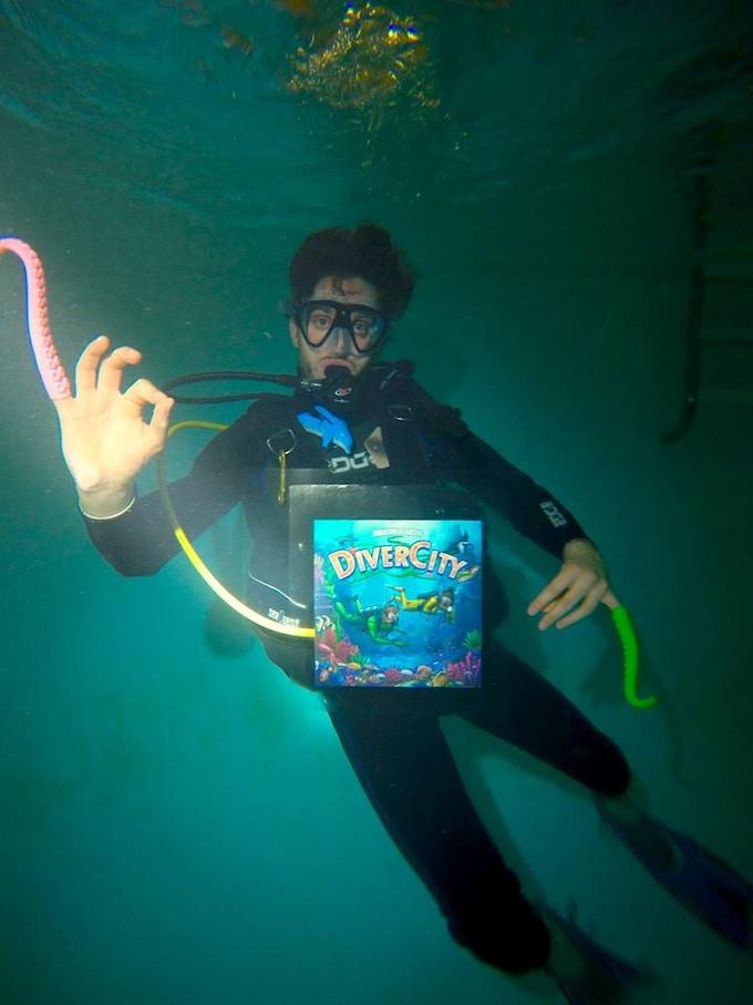 Maxime leading DiverCity underwater!