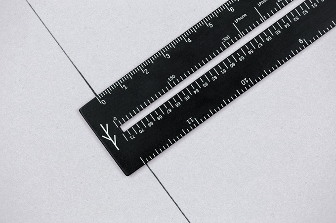 With the Lindlund ruler you can create perfect 90-degree angles every time