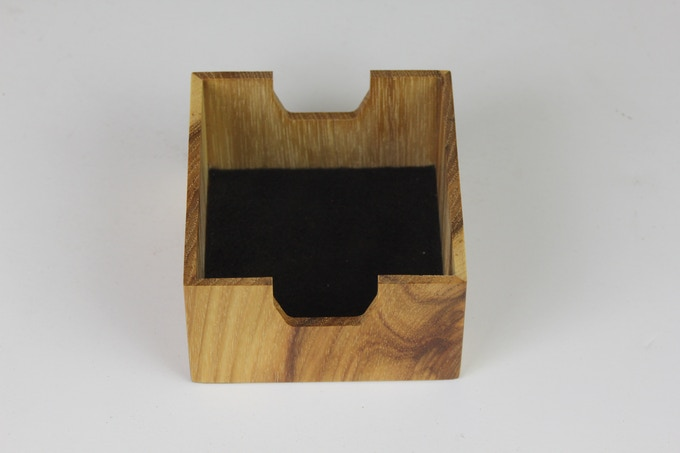 Dice compartment lined with black felt