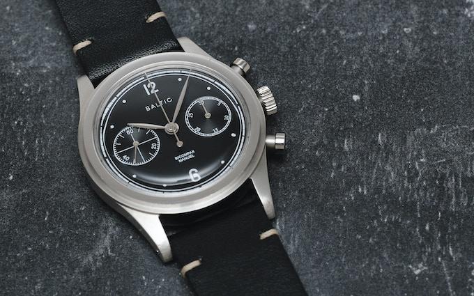 BICOMPAX 001. Black & Silver