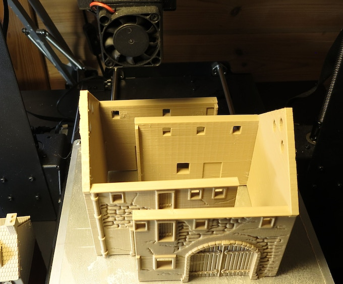 Barn 28mm, massive model, divided into 2 parts to fit on printbed