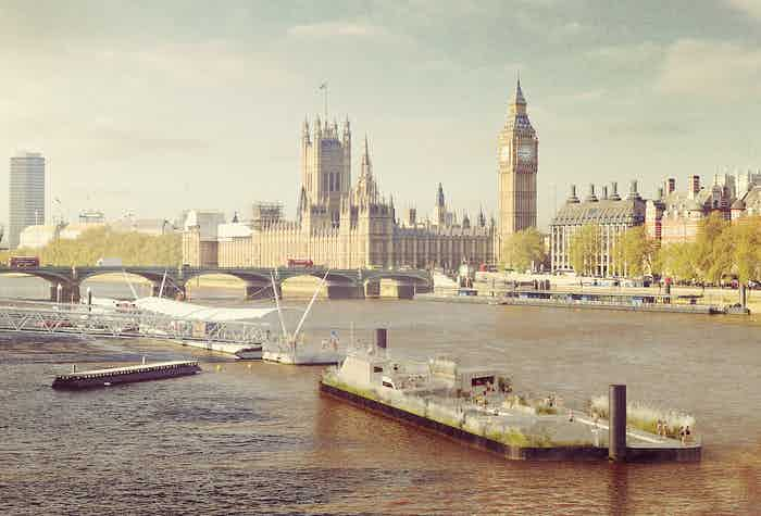 The Thames Baths project aims to reintroduce swimming to London's waterways.