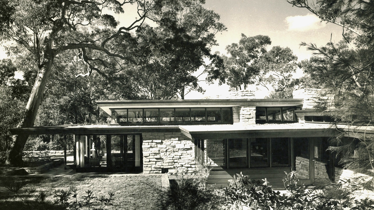 The first definitive monograph on the work of mid-20th Century, Sydney based Australian architect, Bruce Rickard.