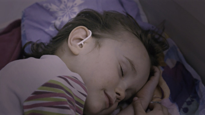 Monitor you child´s temperature continuously at night with this wearable thermometer. Do not disturb recovery anymore.