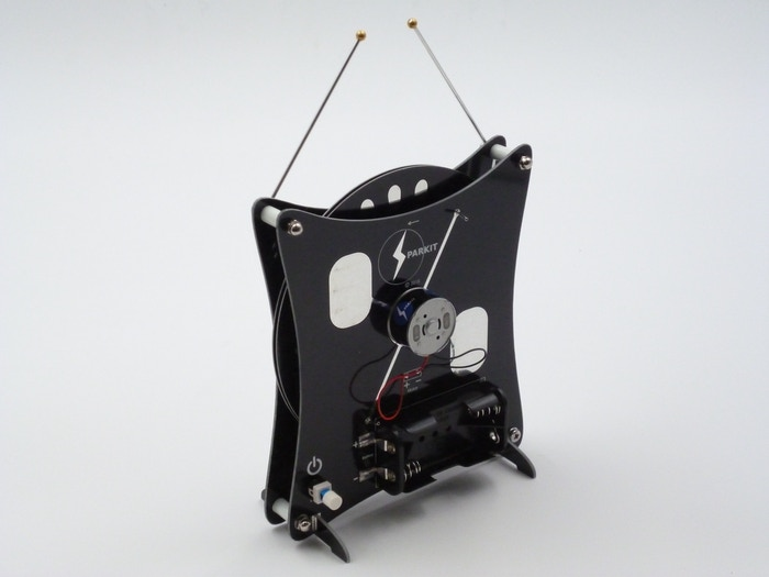 SparKit produces kit-set Wimshurst Machines (Electrostatic generator) for educational use which are simple, quick and reliable.