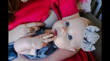 Fashionable & Discreet Breastfeeding Apparel by Le Regard