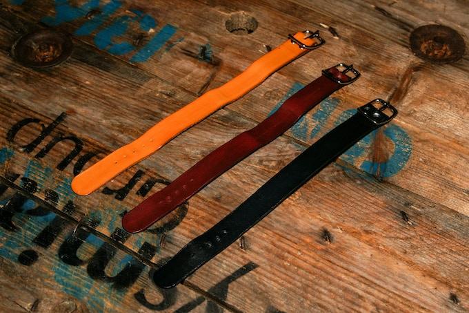CARZO & LIEUTIER Full-grain leather nato watch strap.