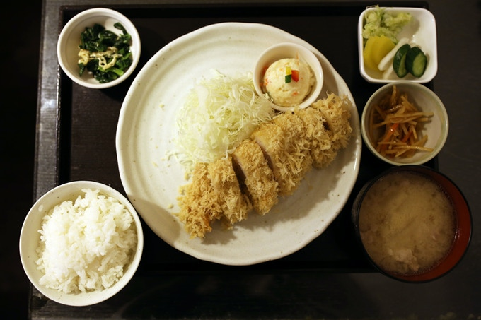 Tonkatsu Set Meal, Photograph by @foodbunker