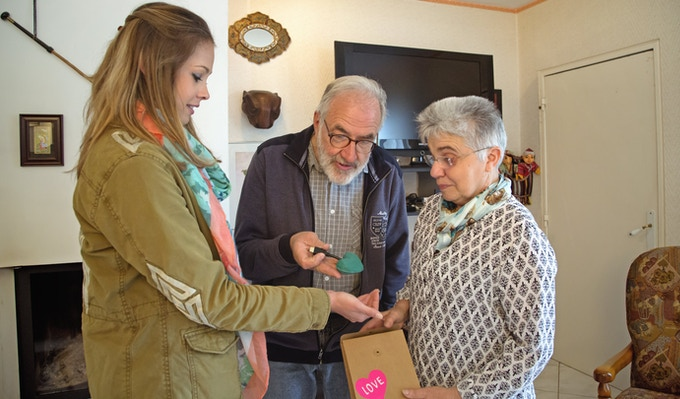 Jade is offering the first Hopen Family to her grandparents