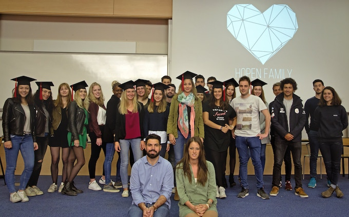 Nelly & Yoann supported by business school students