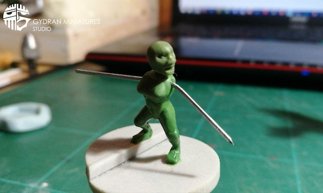 This is the Void Thief prior to the sculpt being scrapped. The new one will have a more dynamic pose.