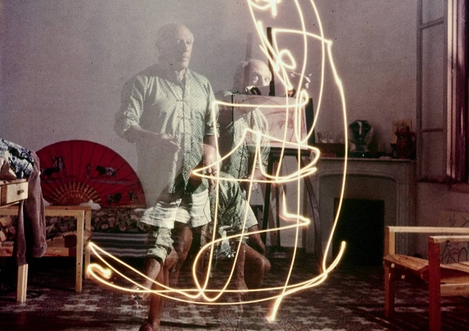 Picasso showing how it's done. Drawing with light and long exposure