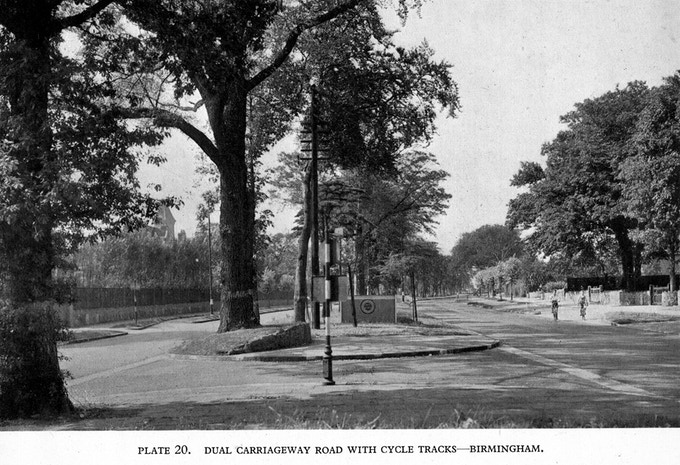 Kerb-protected cycle tracks on both sides of Chester Road in Birmingham, 1946. (Click on the pic for same cycle tracks today.)