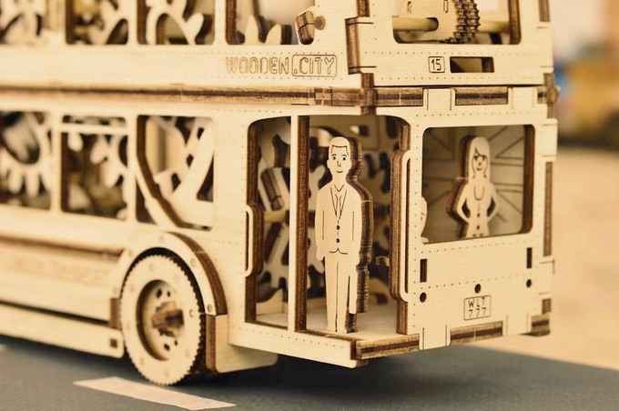 WOODEN CITY: 3D wooden construction sets with open mechanism