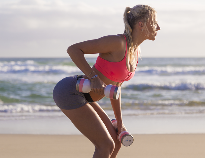 HYDRATE AND EXERCISE ANYTIME ANYWHERE: Single arm Wumbell tricep kickback