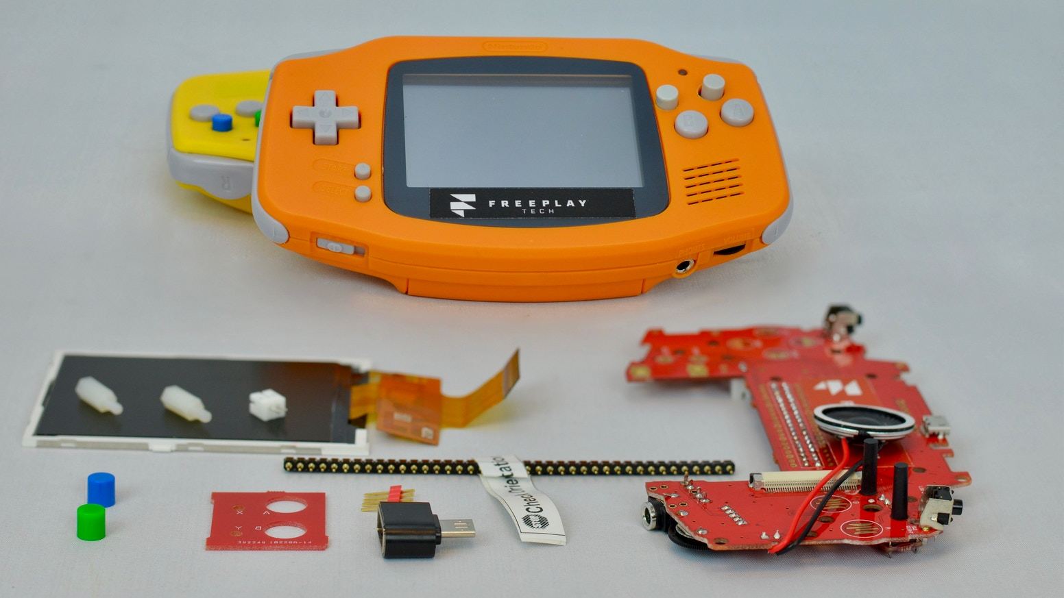 Build it!   Customize it!   Play it! Handheld Raspberry Pi retro gaming with the styling of your favorite classic videogame console.