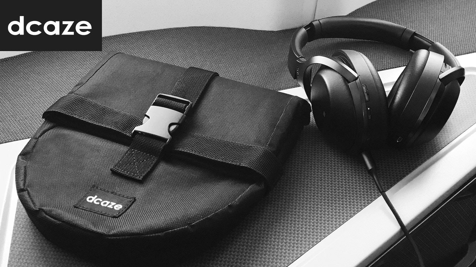 A Better Way To Carry And Protect Over Ear Headphone For Traveller Dcaze