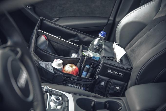 Sicheres Autofahren ohne herunterfallende Gegenstände - safe driving without any slipping or falling items