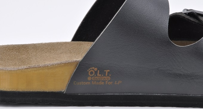 Your initials engraved on the sandals