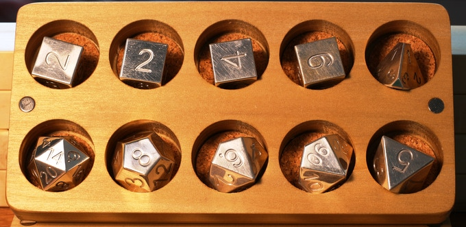 This is a 10pc Sterling Silver set simply oozing class. It comes in its own Dice Base™: 3 ten pocket  hardwood cherry case.