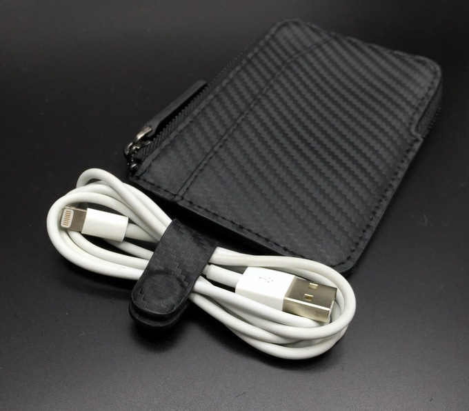 x-pocket with magnetic cable organiser