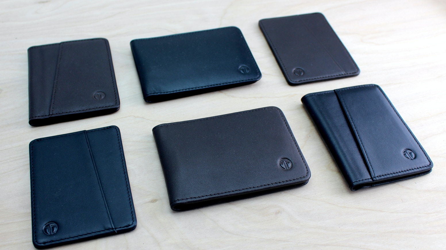 Classic bifold reinvented. All the essentials you need in a wallet plus extras, RFID protection/access, pull tab, cash slot and more.