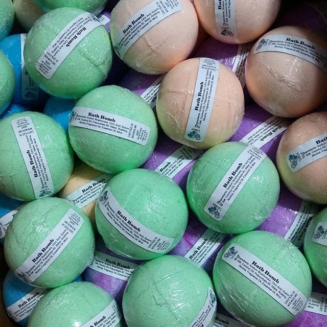 Wholesale Bath Bomb order for a local boutique