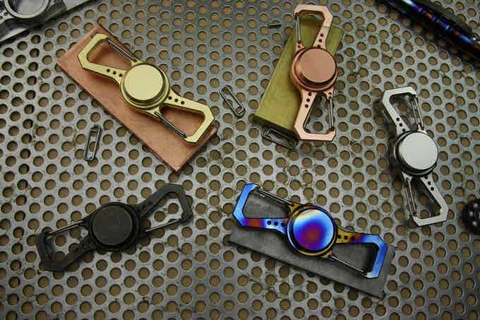 AXIOS - The Worthy Spinner / Carabiner