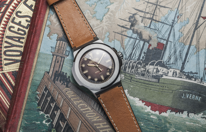 LAVENTURE Marine Brown Dial on a old Jules Verne's Book