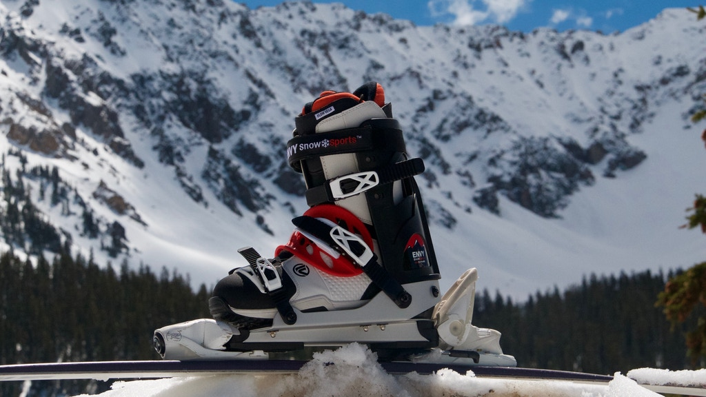 Envy Snow Sports Ski Frame: Ski in snowboard boots! project video thumbnail