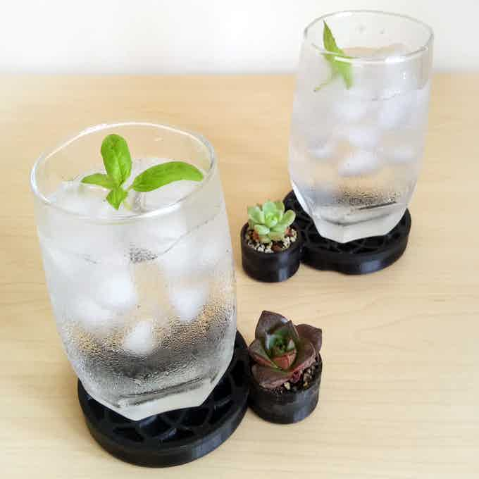 Living Coasters with plants and cold drinks