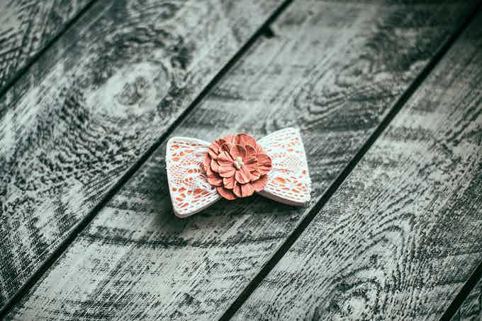 Bow2Tie customized with lace and handmade flower (Be aware that this image represents only an example of customization. Lace and the flower are not included in the kit)
