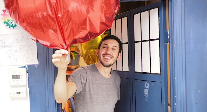 Zach from Parts & Crafts takes a balloon through a doorway!