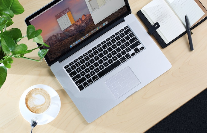 With the sleek design, Nums™ does NOT affect your everyday use of your trackpad. (Photos are shot with the actual products.)