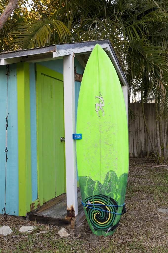 6' High performance shortboard Tucked thin rails
