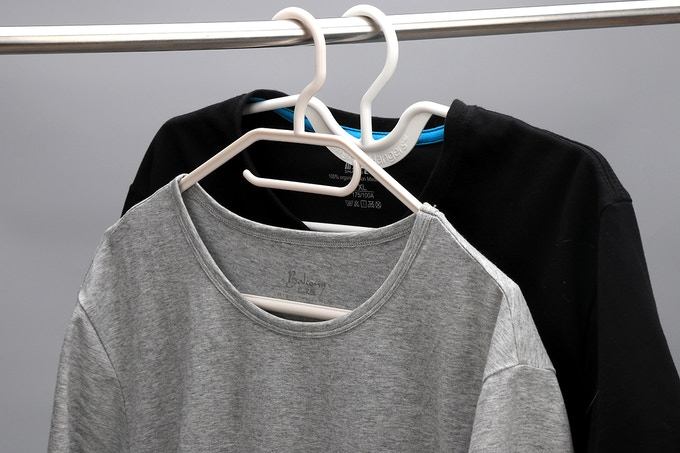 Hanging Shirt Comparison, Higher Hangers Behind
