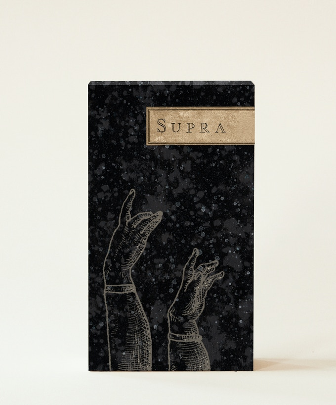 "Kickstarter Gold / Uusi ""Supra"" Oracle Tuck Box FRONT"