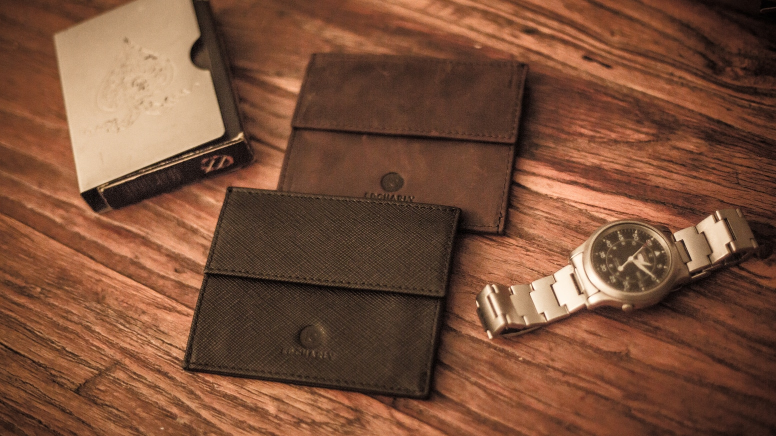 An origami inspired minimalist yet lightweight wallet for everyday 