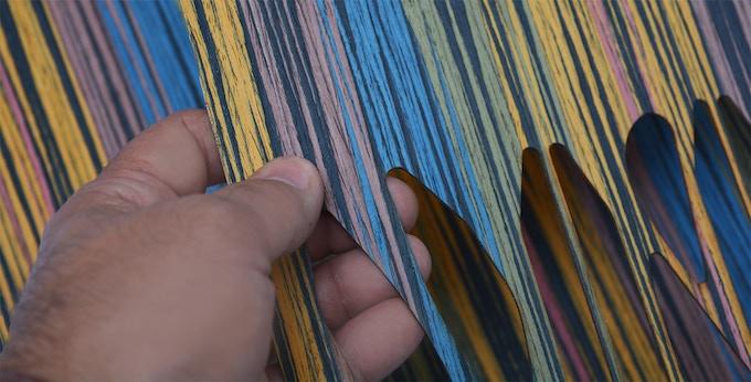 Natural dye wood veneer / Chapa de madera natural teñida