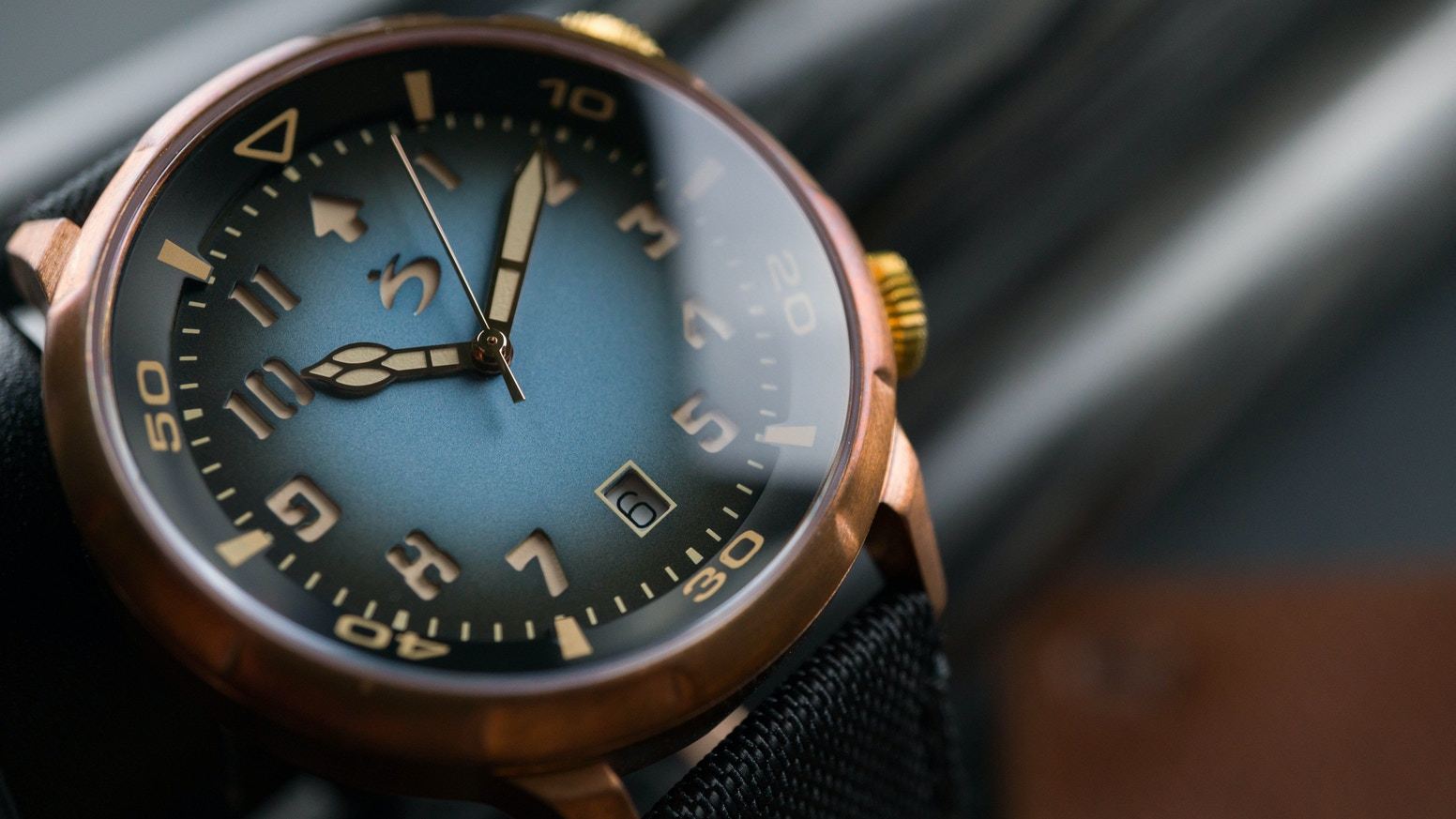 Redefining a classic automatic watch, crafted from bronze which develops a patina unique to you at a sweet price that's beyond standard