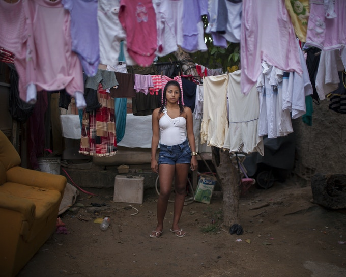 Taiana Cezario Da Silva (16 years old) became a young mother a the age of 15 years old. / Taiana fue Madre adolescente a los 15 años.