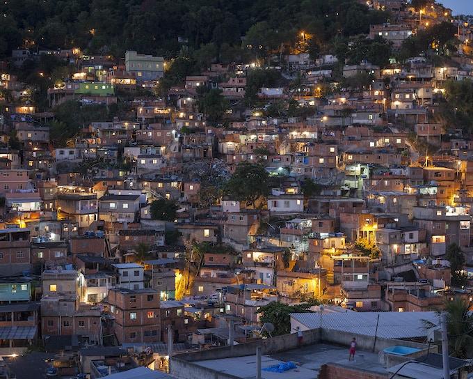 """View of """"Complexo do alemão"""", Rio de Janeiro, Brazil. / Vista del complexo de Alemão, Río de Janeiro, Brasil."""