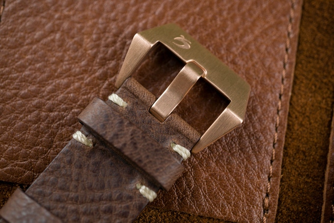 Genuine Italian brown leather strap - Total length 280 mm
