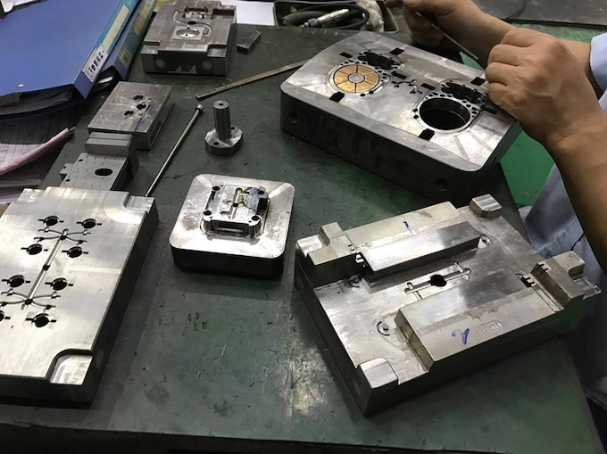 Injection mold tooling workshop