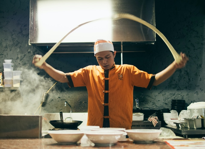 "Chef Making ""La Mian"" (Hand Pull Noodle)"