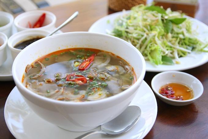 Pho (Vietnamese Rice Noodle Soup)